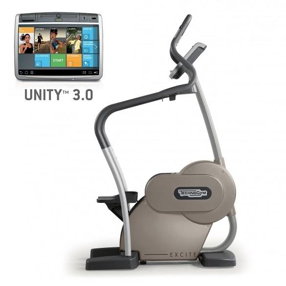Technogym Stepper Excite+ Step 700 Unity 3.0 Silber gebraucht  BBTGEST700U3ZI